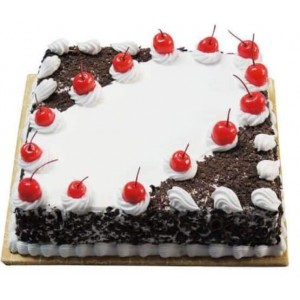 Cherry Blackforest Cake (1/2 Kg)