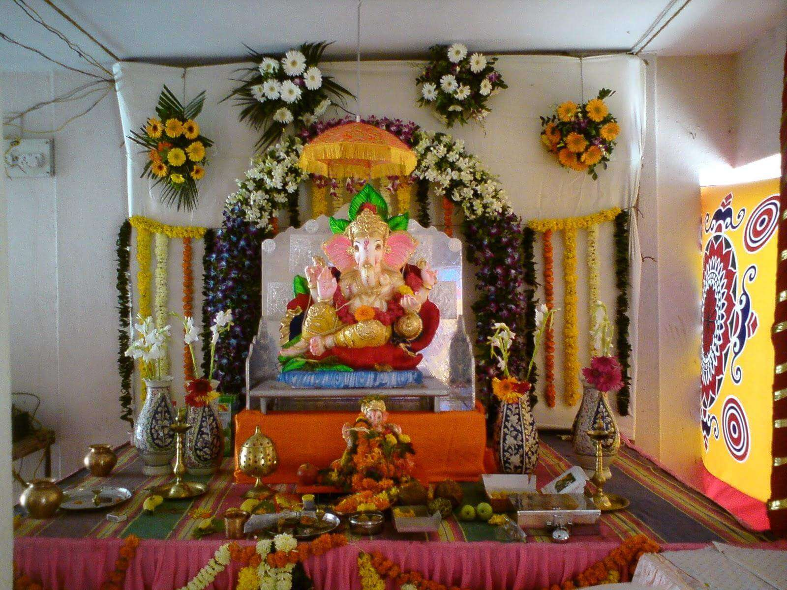 Buy Online Flowers for Ganpati Decoration | Blooms Only